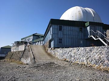 コロナ観測所は閉鎖されましたが、施設としては今も活用されています