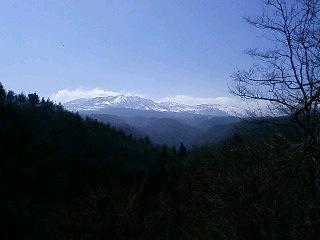 この雪山を見ると草津に来たなぁ〜と思いますネ